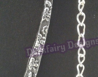 Bookmark with flower charm