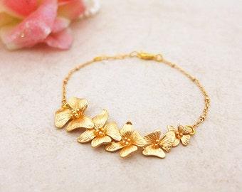 Gold Flower Bracelet, Gold Leaf Bracelet, Handmade Bracelet, Gold Bridal Bracelet Nature Bridal Jewelry Gold Bracelet Garden Wedding Jewelry