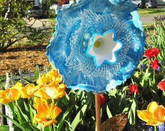 glass art flower, garden gift, glass plate flower, yard art, home decor, handpainted,vintage glass flower garden,garden decoration,art glass