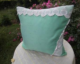 green pillow with creme lace,romantique pillow,homedecor,polyester,unikat,handmade from himmeldurchnadeloehr