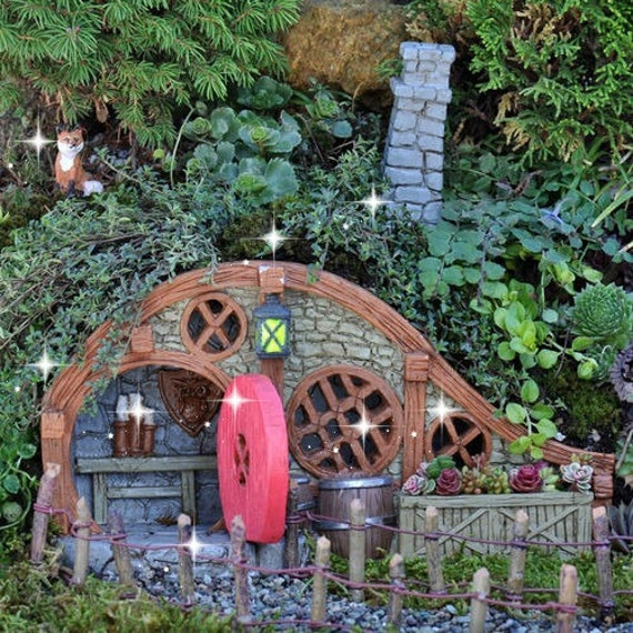 fee gartenhaus miniatur hobbit haus miniatur garten gnome. Black Bedroom Furniture Sets. Home Design Ideas