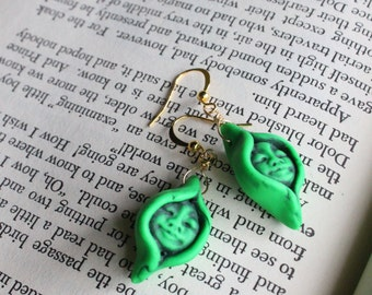 Little Neighbors Pea Pod Earrings