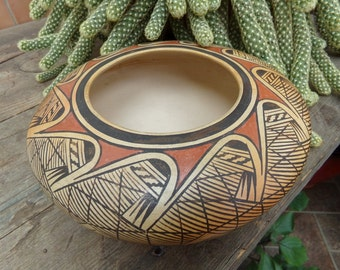 Hopi Bowl by Elva Nampeyo with its Sikyatki Migration Pattern - [#209 - LR cabinet]