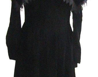 Size Medium Vintage Victorian Style Velvet Dress