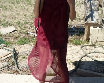 DRESS PLEATED GARNET