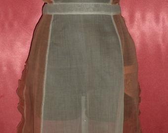 Lovely Vintage Ruffled Edge Apron w/ Pocket
