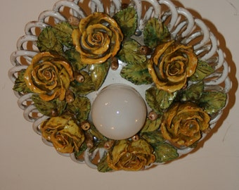 Ceramic Chandelier with Roses * Lampadario in ceramica con rose modellate