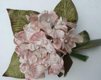 velvet hydrangea posy. hydrangea. vintage hydrangea posy. velvet flowers, flowers for hats. flowers for craft. accessory flowers.