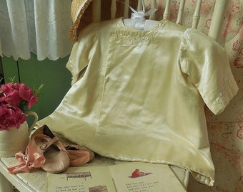 Divine little antique baby's coat, silk, embroidery