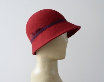 Hat Cap retro red and deep purple