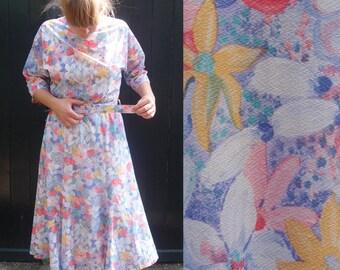 Romantic vintage flower midi dress, size EUR 42, UK 16, retro, flowers, lilac, yellow, red, pink