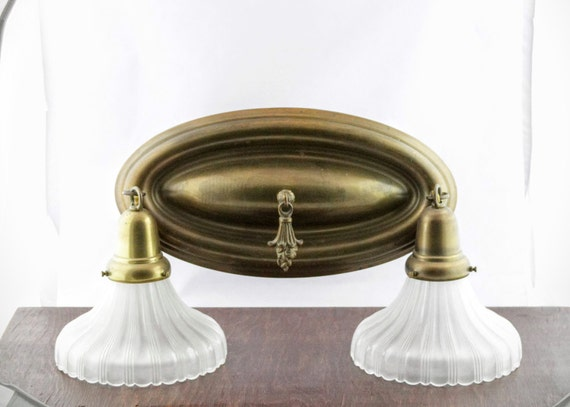 Westmenlights Vintage Small Ceiling Light Flush Mount: Antique Brass Ceiling Light Fixture With Fluted Glass Shades