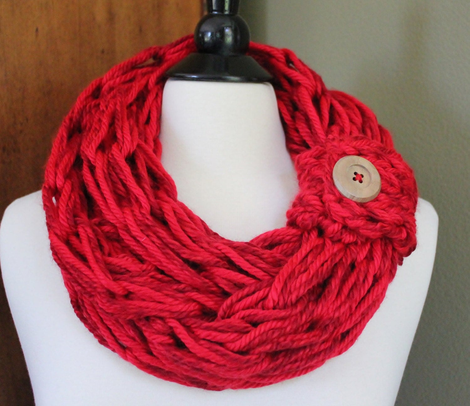 blend arm knit scarf with button cuff