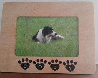 4x6 Wood Frame with Dogs Name in Paw Prints