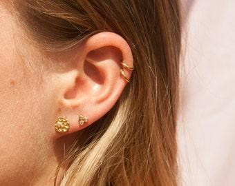 Gold stud earrings - gold earrings - hammered earrings - hammered - disc - cz earrings - tiny gold studs - gold stud earrings - C1-SF8044