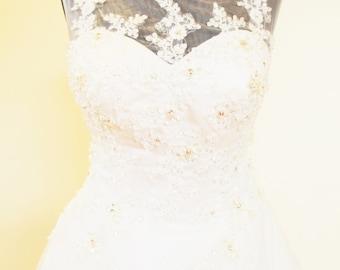 Dolce Vita lace wedding dress