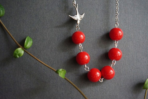 Red Jewelry Red Necklace Red Pearl Necklace Bird Necklace Swallow Necklace Bridesmaid Jewelry Bridesmaid Gift Simple Necklace Beaded Jewelry