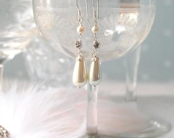 DARLING Vintage Inspired Pearl Drop Wedding Earrings