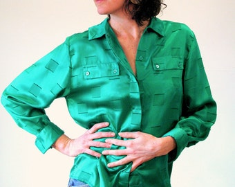 Lucky Emerald, 80s Green Blouse M, Green Silky Long Sleeve Blouse, Vintage Green Shirt, Classy 1980s Kelly Green Blouse Size M