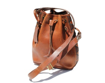 Vintage Brown Leather Bucket Bag / Heavy Leather Cross-body Bag