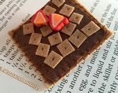 Hazelnut Nutella Graham Cracker Brooch - Chocolate & Strawberries