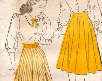 1940s Teenage Skirt & Blouse Pattern - Vintage New York 299 - Bust 28 Hip 31 FF