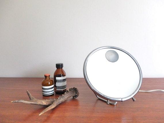 miroir rond lumineux miroir grossissant lumineux sur pied x for miroir lumineux sur pied with. Black Bedroom Furniture Sets. Home Design Ideas