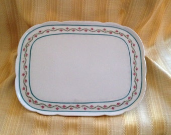 Porcelain Vanity Tray, Porcelain Jewelry Tray, Porcelain Trinket Tray,Red Rose Buds, Green Garland, Green Trim, Scalloped Edge, Felt Bottom,