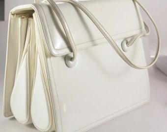 White Patent Leather JUDITH LEIBER Handbag Top Handle Bags Designer Bag White Leather Bag Vintage Handbag Vintage Clothing Accessory Chanel