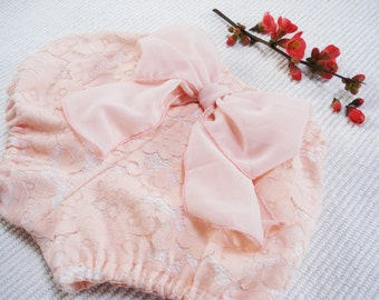 Baby Lace Bloomers, Lace diaper cover for photo session, lace baby diaper cover, newborn baby bloomers, photo prop