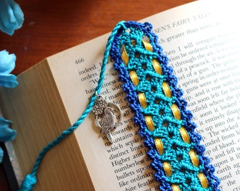 Crochet bookmark, blue with yellow ribbon, parrot charm on the tassel, unique book lover gift