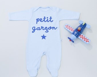 gender reveal outfit-it's a boy-Petit Garçon- new baby gift-coming home outfit-gender reveal party-gender announcement-gender reveal party