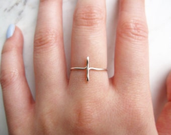 Silver Cross Ring//sideways cross ring, silver sideways cross, side cross, wire ring, adjustable ring,metal ring,Dainty ring,Minimalist,Gift