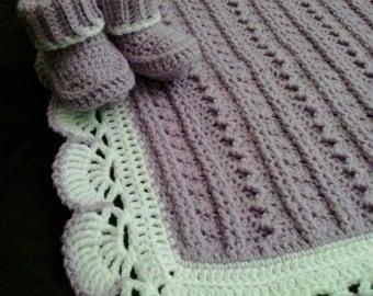 Lilac baby girl blanket, Purple crochet baby afghan, Crochet lavender blanket, Warm newborn stroller blanket, Crochet baby girl booties