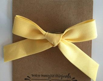 Large Retro Bow || Light yellow