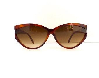 Liz Claiborne Sunglasses Frames //Women's 1990's //Tortoiseshell Cat Eyes Frames // Made in Italy//#M121