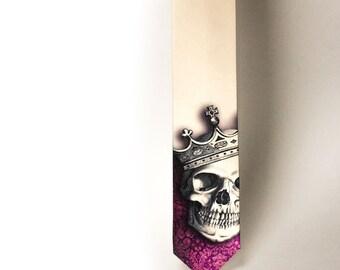 King's skull necktie. Medival skul necktie. Tatoo skull tie. King Lanister necktie. Gothick necktie. Crazy skull tie. TieStory necktie.