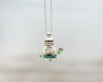 Turtle Jewelry, Turtle necklace, Sea turtle necklace, Beach turtle necklace, Turtle glass necklace, Turtle sea necklace, Ocean necklace
