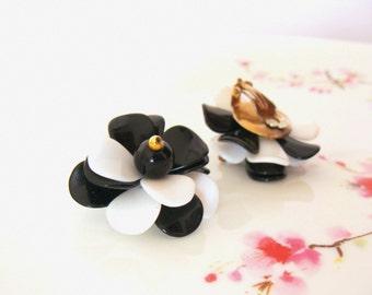 Vintage 1960's  Large Flower Shaped  / Black & White Earrings Clips on Earrings / Mod