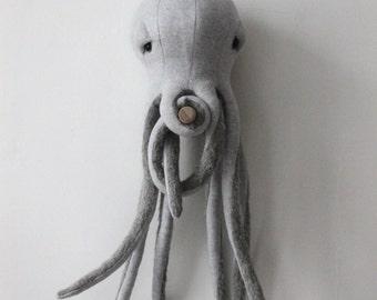 Small Octopus <O> Stuffed Animal <O>  Plush Toy