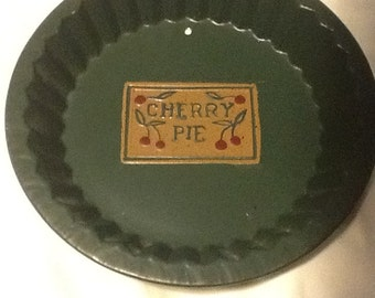 COUNTRY TIN PIE PLates Set of Three Vintage Red Blue Green