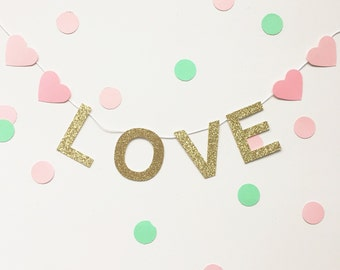 Love gold glitter mini banner with pink hearts
