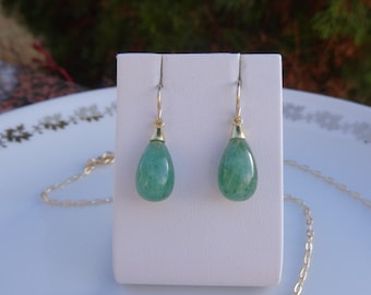Earrings with green Aventurine in 585-er silver, simple and elegant!