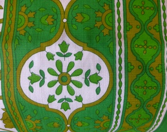 Never used vintage Sheridan tablecloth