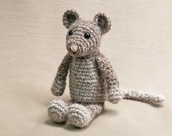 Amigurumi crochet mouse pattern