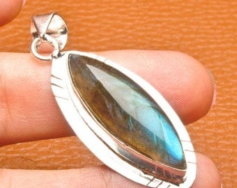 Natural Labradorite silver plated pendant  ( #J1531)