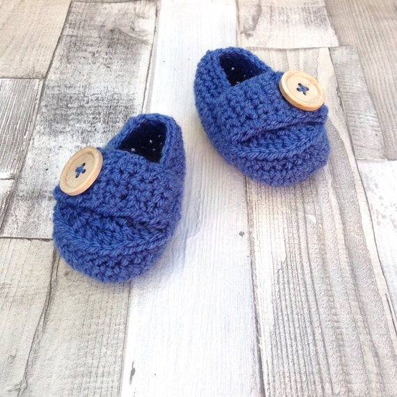 Blue booties loafers, crocheted booties gender neutral booties photo prop baby shower newborn 0-3 3-6 crochet boots baby shoes gift present