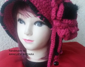 Woman crocheted HAT with Brim/Black-Pink HAT with remouvable flower/Cloche  Hat-Soft and Warm