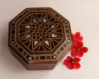 Jewelry Box Mother of Pearl Inlay, Seashell Inlaid Mosaic, Keepsake box with Islamic Geometric Pattern. NO. 926