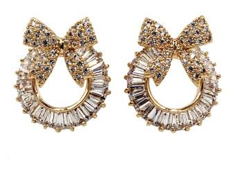 Lovely bow wreath crystal earrings